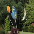 Detailaufnahme Windspiel im Garten.